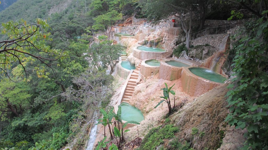 Largest Pool In Chile >> Tour to Mexico, Guatemala, Galapagos Islands.